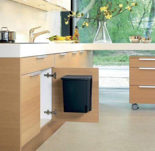 La poubelle de cuisine un accessoire indispensable ma for Accessoire poubelle cuisine