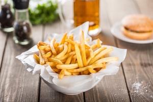 Assiette de frites croustillantes